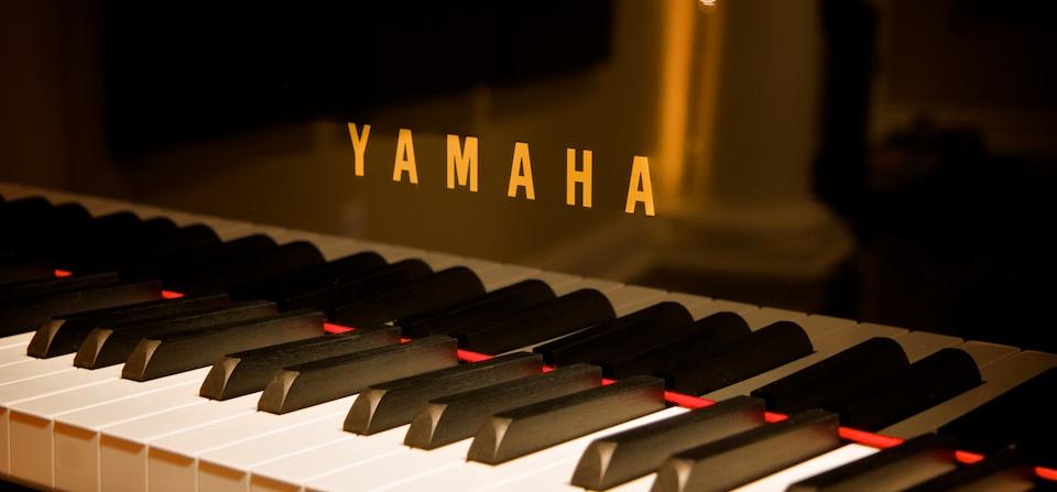 nên mua đàn piano cơ yamaha không