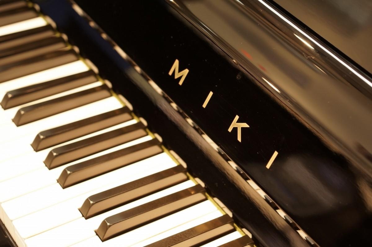 Piano MIki 36