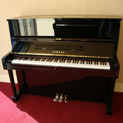 Piano Yamaha U1E.jpg